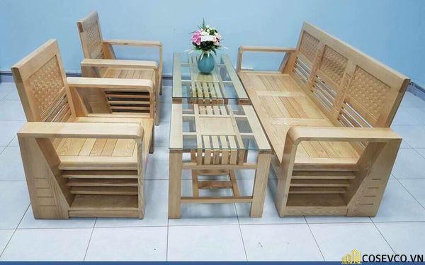Các mẫu bàn ghế giá rẻ thường quy trình tẩm xấy, sơn ít lớp - Khi mua bạn có thể thuê thợ sơn thêm các lớp bảo quản sẽ tốt hơn