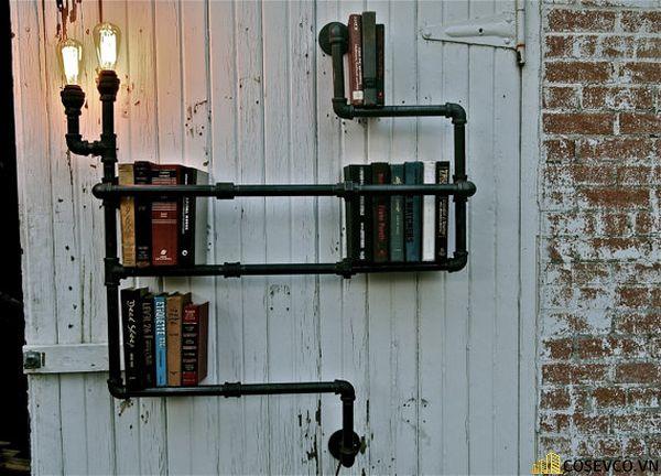 Cách làm kệ sách treo tường đơn giản bằng ống nước tái chế