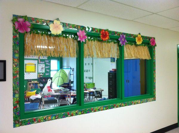 Trang trí cửa sổ lớp học mầm non đẹp - Mẫu 2