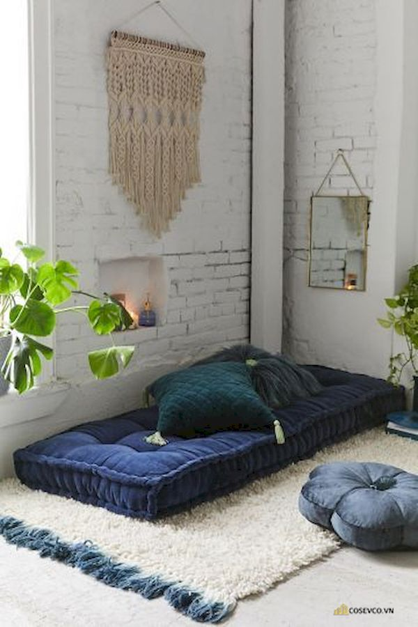 Mẫu trang trí phòng ngủ nhỏ cho nữ không giường - Cách 12