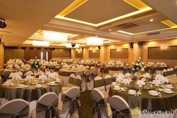 Diện tích hội trường tiệc cưới sức chưa +300 khách mời