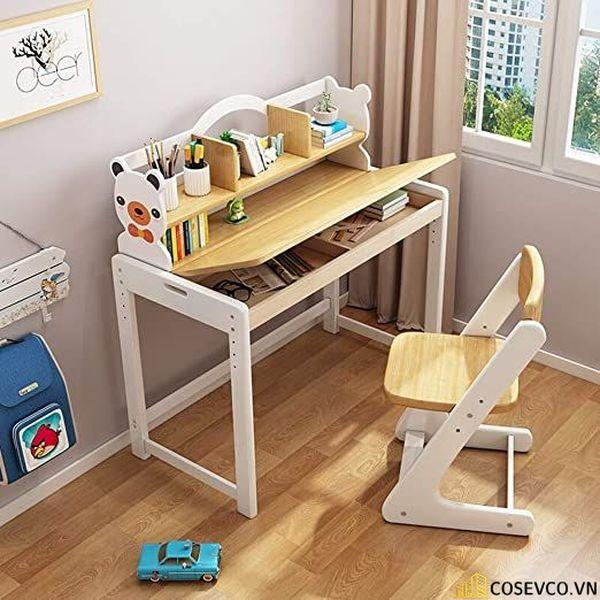 Đối với bé trai thường năng động và nghịch ngợm nên bàn học cửa bé cần bố trí sinh động, thể hiện được cá tính của bé.