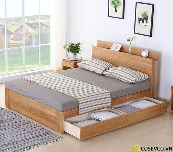 Giường ngủ bằng gỗ sồi phù hợp cho phòng ngủ của gia đình - M8