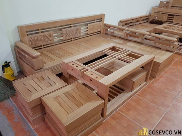 Ứng dụng gỗ sồi trong sản xuất bàn ghế