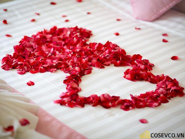 Trang trí phòng cưới bằng hoa hồng - M4