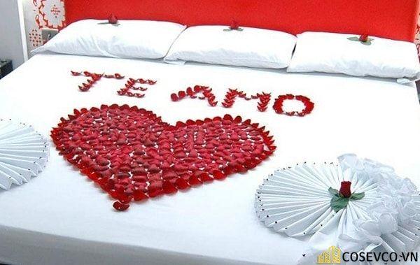 Trang trí phòng cưới bằng hoa hồng - M3