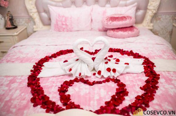 Trang trí phòng cưới với khăn tắm - M1