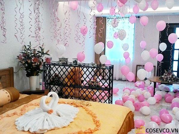 Trang trí phòng cưới bằng bóng bay - M2