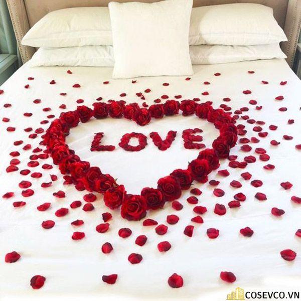 Trang trí phòng cưới bằng hoa hồng - M1