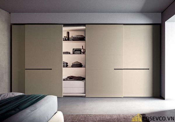 Ưu điểm của các loại tủ quần áo thông minh cửa trượt là bạn không cần phải quá quan tâm không gian cho việc mở cửa tủ.