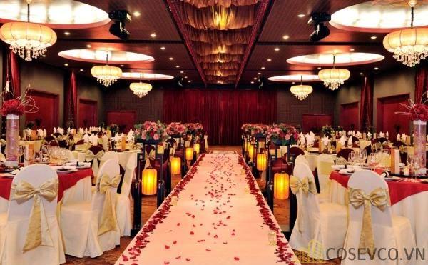 Bàn ghế nhà hàng tiệc cưới - Mẫu 2