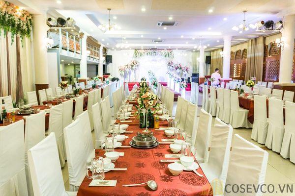 Bàn ghế nhà hàng tiệc cưới - Mẫu 7