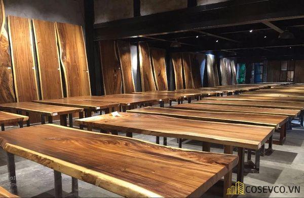 Mẫu bàn ăn gỗ nguyên khối đẹp sang trọng - M3