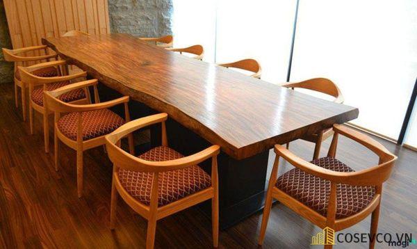 Mẫu bàn ăn gỗ nguyên khối đẹp sang trọng - M4