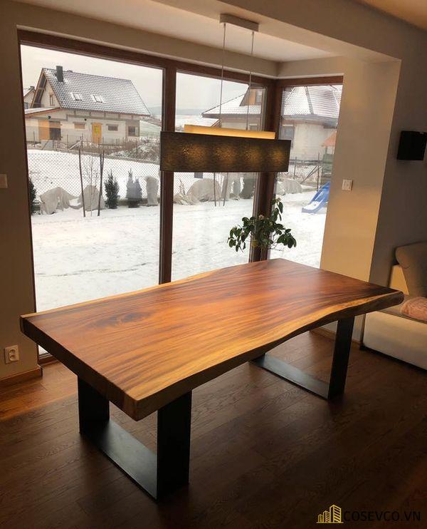 Mẫu bàn ăn gỗ nguyên khối đẹp sang trọng - M5