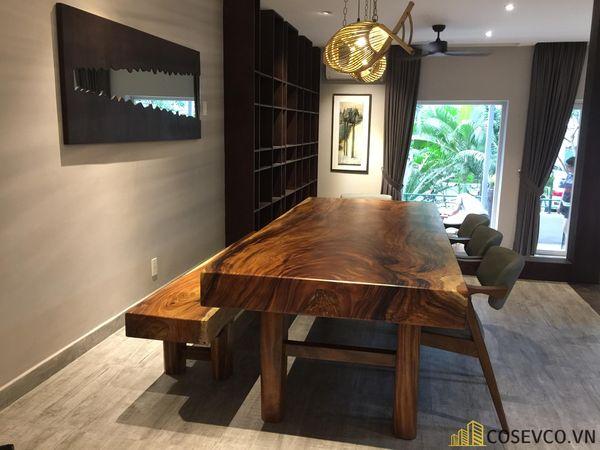 Mẫu bàn ăn gỗ nguyên khối đẹp sang trọng - M7