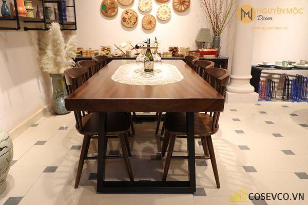 Mẫu bàn ăn gỗ nguyên khối đẹp sang trọng - M9