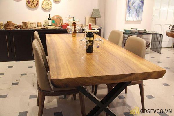Mẫu bàn ăn gỗ nguyên khối đẹp sang trọng - M10